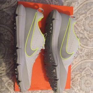 Nike Explorer 2 Spikeless Golf Shoes